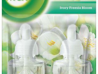 Obrázok Air wick Essential Oils Biele kvety frézie náhradná náplň do elektr.prístroja 2x19ml